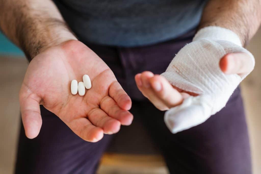 bandage-close-up-drugs-1371172